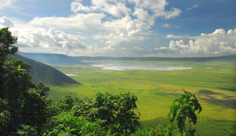Paysages montagnes et verdures en safari en Tanzanie